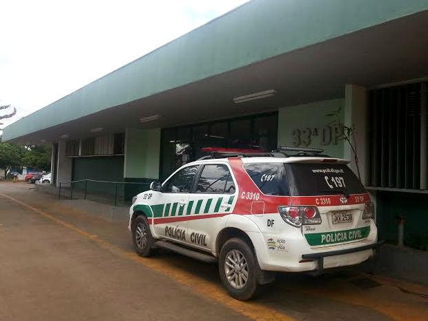 Fachada da 33ª Delegacia de Polícia do Distrito Federal, que funciona na região administrativa de Santa Maria (Foto: Raquel Morais/G1)