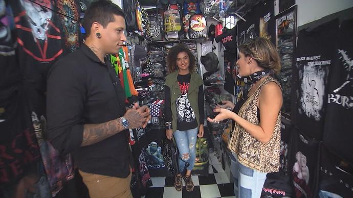 Personal stylist Bruno Varoto monta looks com blusas no estilo rocker (Foto: TV Bahia)