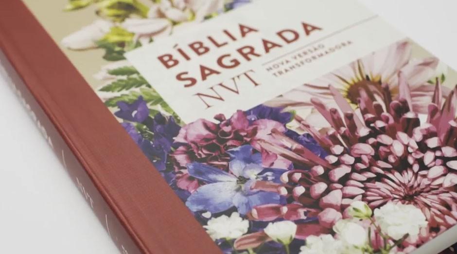 Bíblia, Nova Versão Transformadora, Mundo Cristão (Foto: Reprodução/YouTube)