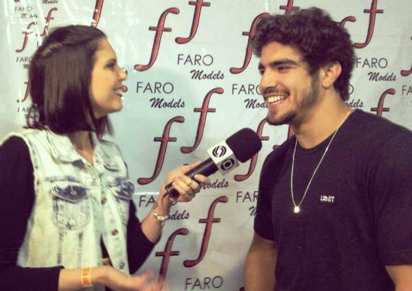 Caio Castro em entrevista ao Estúdio Santa Catarina (Foto: Cainã Sarmento/RBS TV)