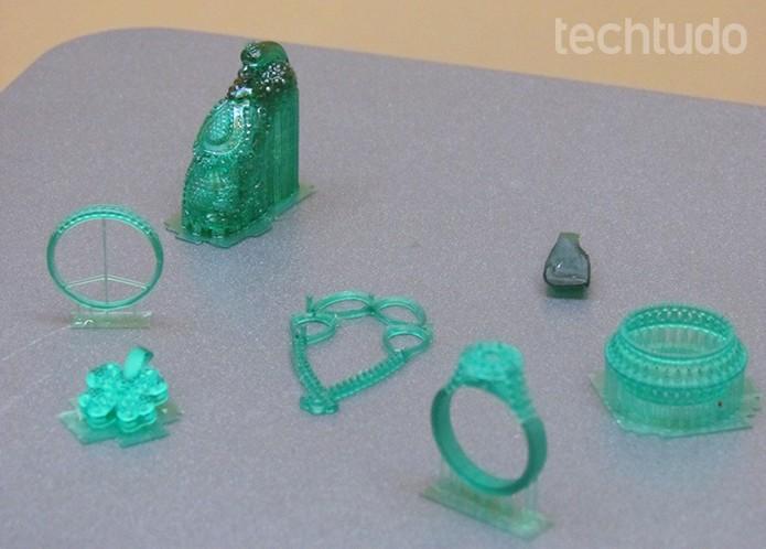 Aneis e outros objetos pequenos foram criados em uma hora e meia  (Foto: Paulo Alves/TechTudo)
