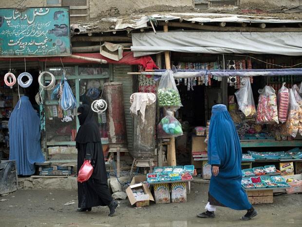 Mulheres em Cabul (Foto: Nicolas Asfouri/AFP)