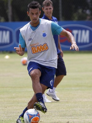 volante Henrique Cruzeiro (Foto: Washington Alves / Light Press)