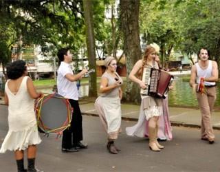 """Teatro de Rua: """"Outros Quinhentos"""" (Foto: Divulgação)"""