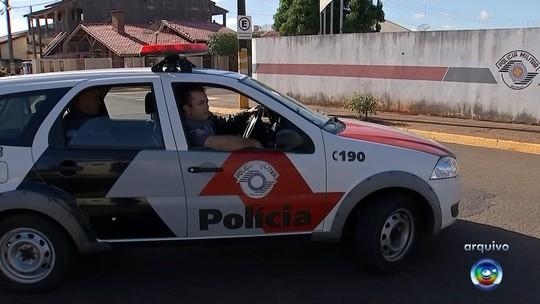 Segundo suspeito de atirar contra policiais e roubar armas é morto durante confronto