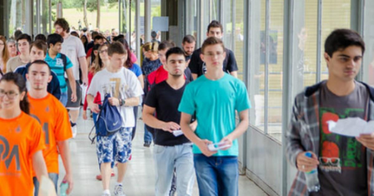 Primeiro dia da 2ª fase do vestibular da UFPR tem 830 candidatos ... - Globo.com