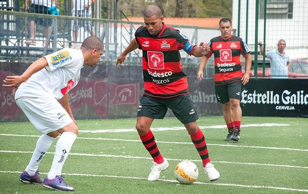 Djalminha Showbol Flamengo e Santos (Foto: Luiz Carlos Quadro Junior / Divulgação)