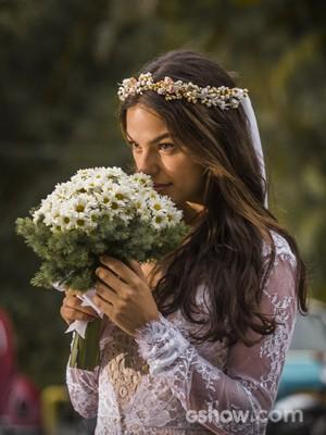 Sandra vestida de noiva (Foto: Paulo Belote / TV Globo)