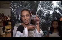 Popozuda chique! Valesca vai com bolsa de R$ 20 mil ao Fashion Rio