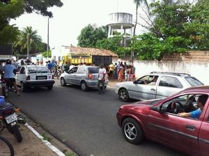 Acidente aconteceu na Avenida Mor Gouveia (Foto: Henrique Dovalle/Inter TV Cabugi)