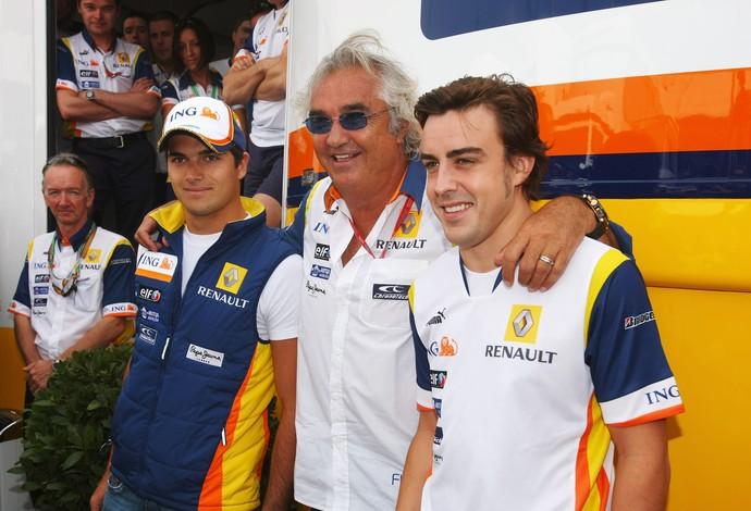 Nelsinho Piquet Flavio Briatore Fernando Alonso Fórmula 1 Renault (Foto: Agência Getty Images)