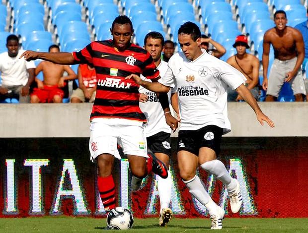 Obina na derrota do Flamengo para o Resende na TG de 2009 (Foto: Globoesporte.com)