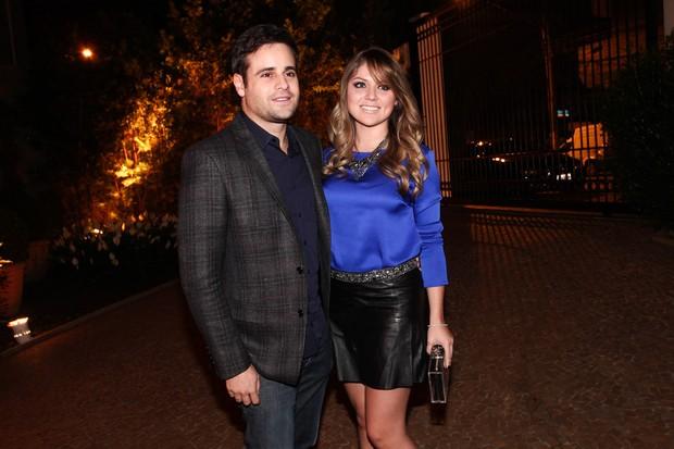 Rodrigo Scarpa, o Vesgo, com a namorada (Foto: Manuela Scarpa e Marcos Ribas/Foto Rio News)