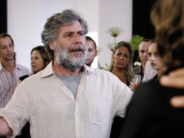 Manuel fica furioso ao ver Pedro com Tina (Foto: TV Globo)