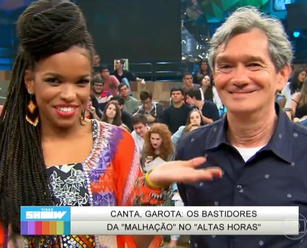 Jeniffer Nascimento mostra tudo o que rolou nos bastidores da participação de Sol no Altas Horas (Foto: TV Globo)
