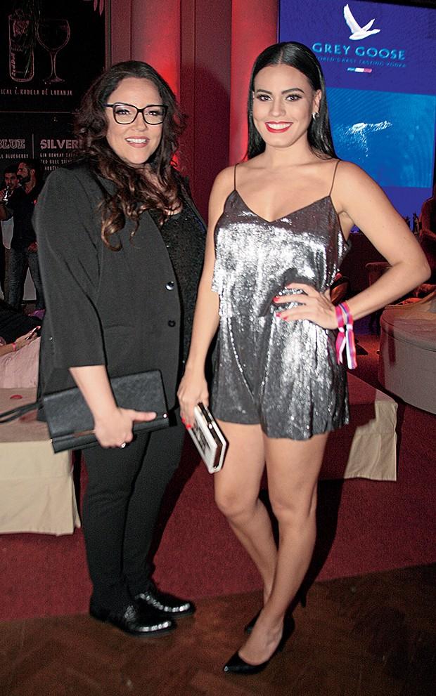 Ana Carolina e a namorada,  a atriz Letícia Lima  (Foto:  )