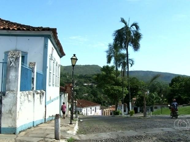 Construção de prédios divide opiniões em Pirenópolis, Goiás (Foto: Reprodução/TV Anhanguera)