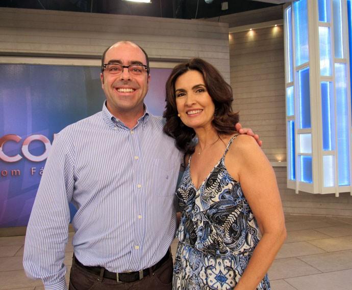 Convidado do programa com a apresentadora  (Foto: Priscilla Massena/Gshow)
