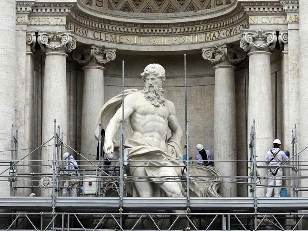 A Fontana di Trevi, que teve sua parte central descoberta nesta semana (Foto: Tony Gentile/Reuters)