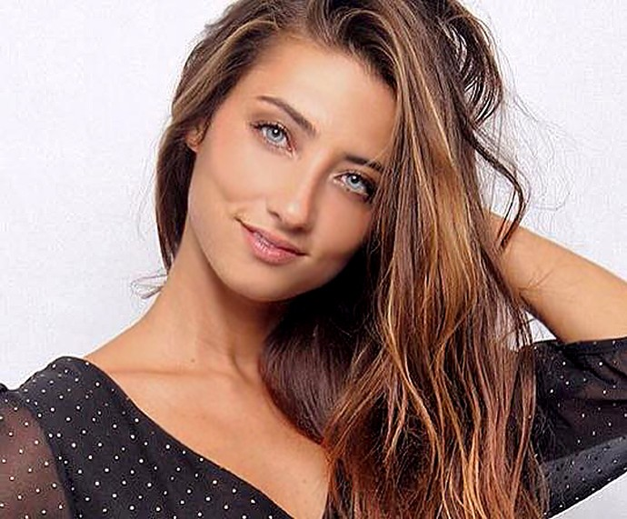 Julia Oristanio ficou mais vaidosa e conquistou trabalhos como modelo (Foto: Vinny Nunes / Divulgação)