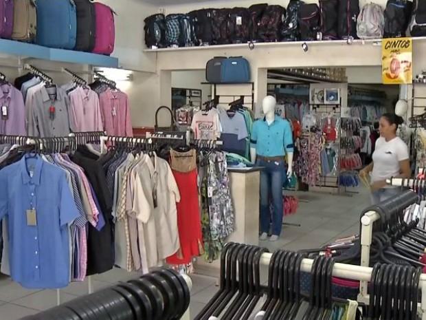 Vestuário foi apontado como a principal opção de presente em pesquisa para o Dia das Mães em MS (Foto: Reprodução/TV Morena)