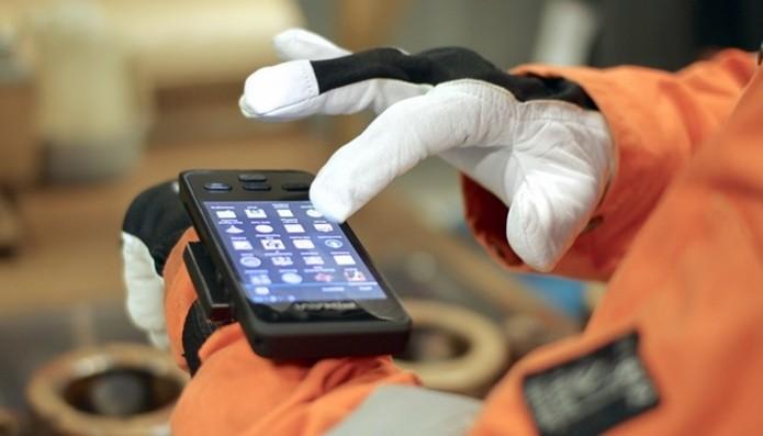 Smartphone é voltado a trabalhadores em áreas de risco (Foto: Divulgação/Bartec Pixavi)