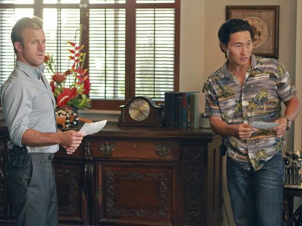 Hawaii Five-0 - Danny e Chin Ho trabalham juntos para inocentar o amigo da acusação de assassinato (Foto: Divulgação / CBS)