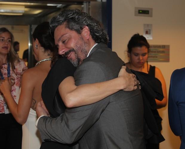 Alexandre Nero mata saudade da colega (Foto: Artur Meninea/ Gshow)