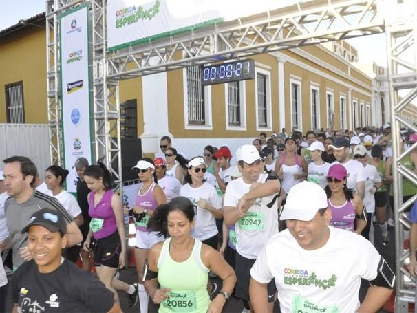 Corrida e Caminhada Esperança em Cuiabá contou com centenas de participantes (Foto: Ulisses Lalio)