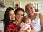 Thais Fersoza posta foto da filha Melinda curtindo o dia com os avós
