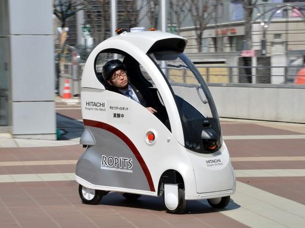 Veículo da Hitachi é descrito como autônomo e foi batizado de Ropits (Foto: YOSHIKAZU TSUNO/AFP)