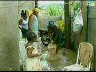 Famílias desalojadas voltam para casa após temporal em Pádua, no RJ