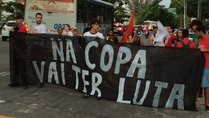Protesto João Pessoa, Copa do Mundo (Foto: Walter Paparazzo / GloboEsporte.com)