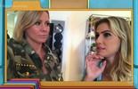 Deborah Secco abre seu closet para Mônica Salgado