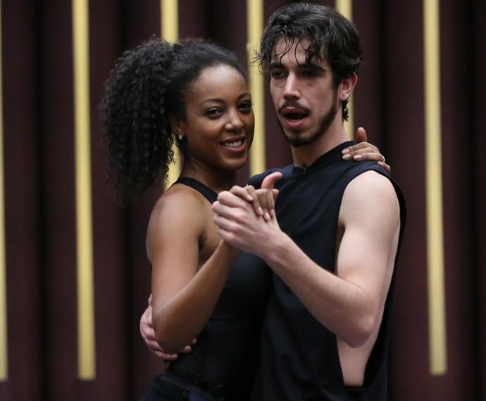 Negra Li no forró do 'Dança' (Foto: Isabella Pinheiro / Gshow)