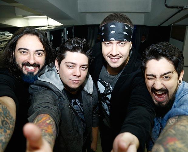 A Banda Malta, que brilhou no SuperStar, participa da gravação (Foto: Raphael Dias / Gshow)