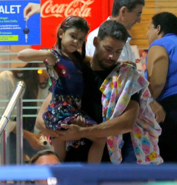 Cauã Reymond e Sofia (Foto: AgNews)