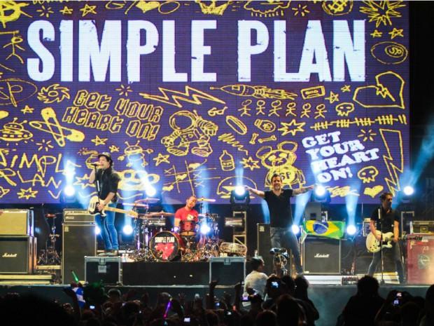 """A banda tocou os sucessos """"Welcome to my life"""", """"Jump"""" e """"Astronaut"""", no evento (Foto: Alana Andrade/Divulgação)"""