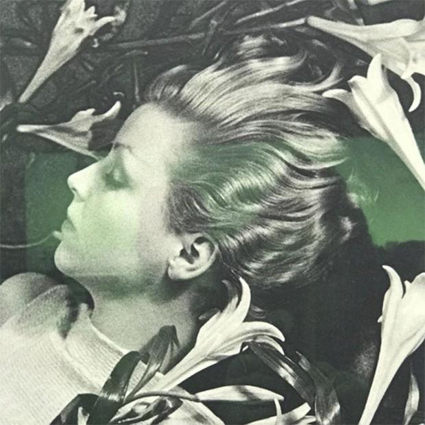 Karl Lagerfeld choice at Paris Photo. Ilse Bing Homage to Schiaparelli 1934 (Foto: @suzymenkesvogue)