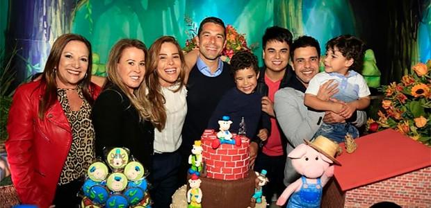 Wanessa Camargo reúne Zezé Di Camargo e Zilu em festa de aniversário (Foto: Reprodução/ Instagram)