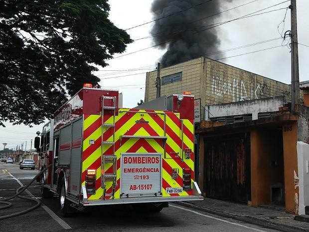 Incêndio ocorreu no bairro Árvore Grande, em Sorocaba (Foto: Moisés Gonçalves da Silva / Arquivo pessoal)