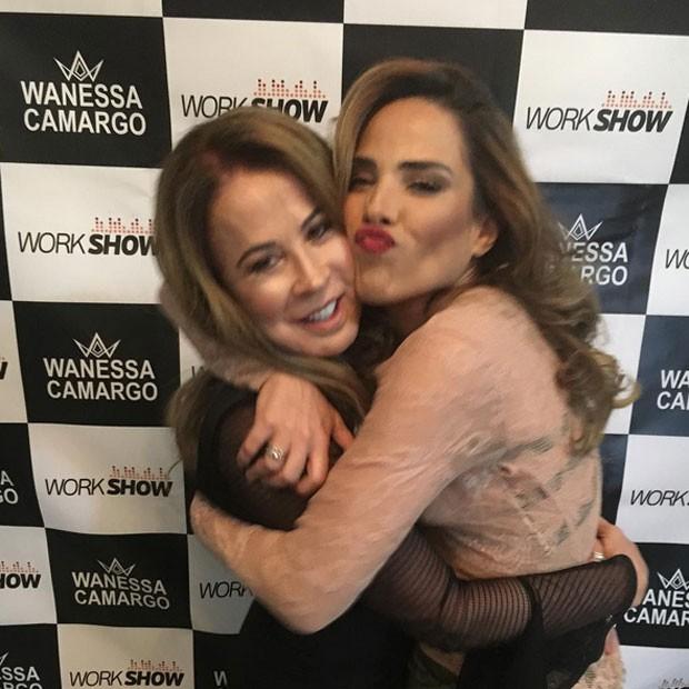 Zilu e Wanessa em show em Goiânia, Goiás (Foto: Instagram/ Reprodução)