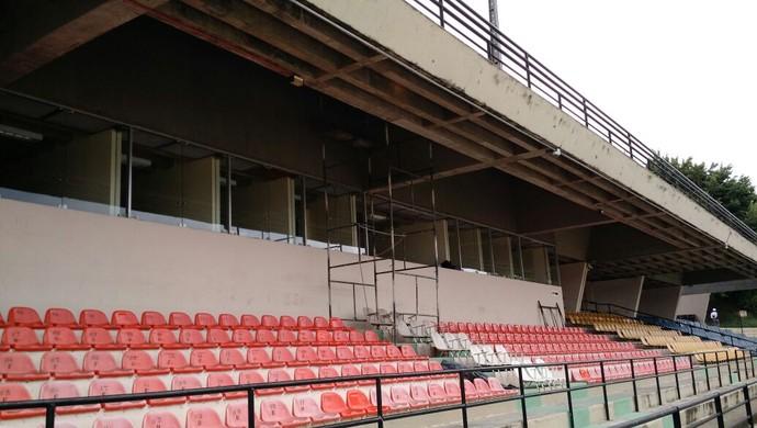 Estádio Walter Ribeiro em Sorocaba passa por obras (Foto: Emilio Botta)