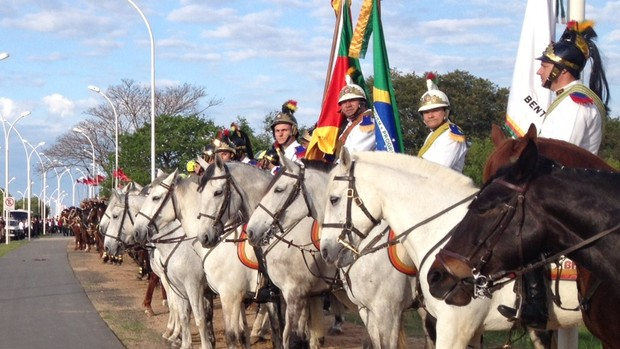 Veja fotos do Desfile do 20 de setembro (Felipe Truda/G1)