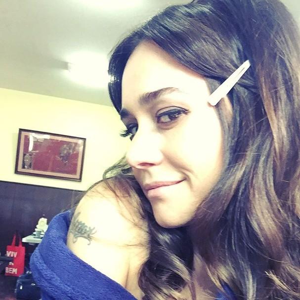 Alessandra Negrini tem uma tatuagem escrita 'amor' no braço direito (Foto: Reprodução Instagram)