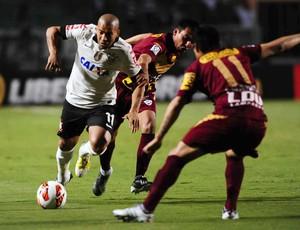 Emerson Sheik, Corinthians x San José (Foto: Marcos Ribolli)