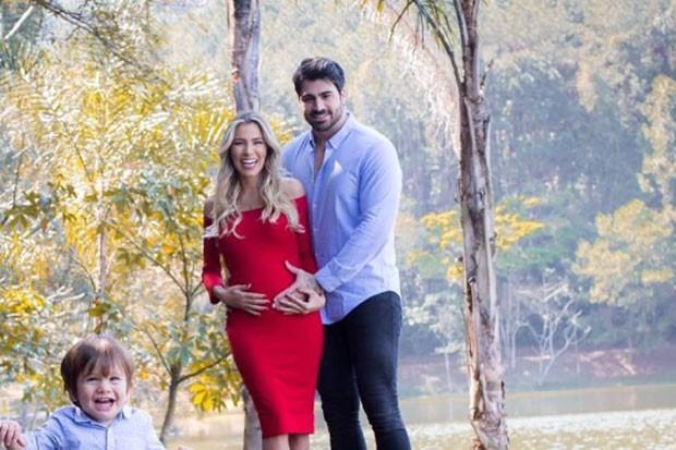 Adriana Sant'Anna e Rodrigão com o filho, Rodrigo (Foto: Reprodução)