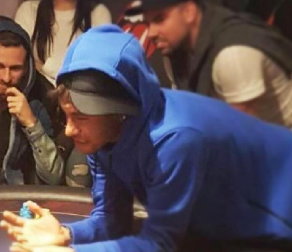 Lucas Lima avisou que vai para o Barcelona em roda de pôquer com a presença de Neymar (Foto: Arquivo Pessoal)