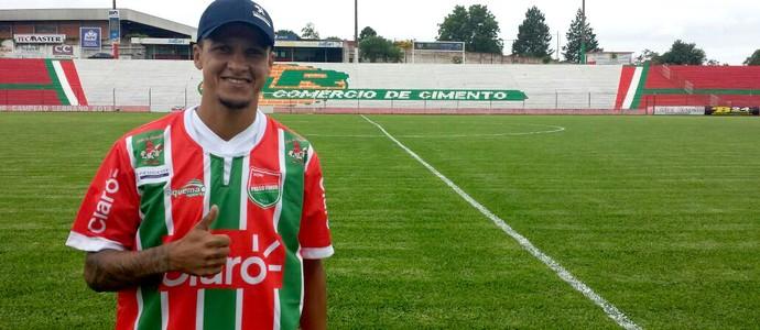 Souza é apresentado como jogador do Passo Fundo (Foto: Gustavo Vargas / Passo Fundo, DVG)