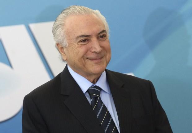 O presidente Michel Temer anuncia novos recursos para ampliar o atendimento à população (Foto: Antonio Cruz/Agência Brasil)